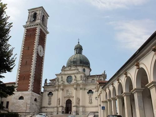 chiesa santuario santa maria monte berico foto